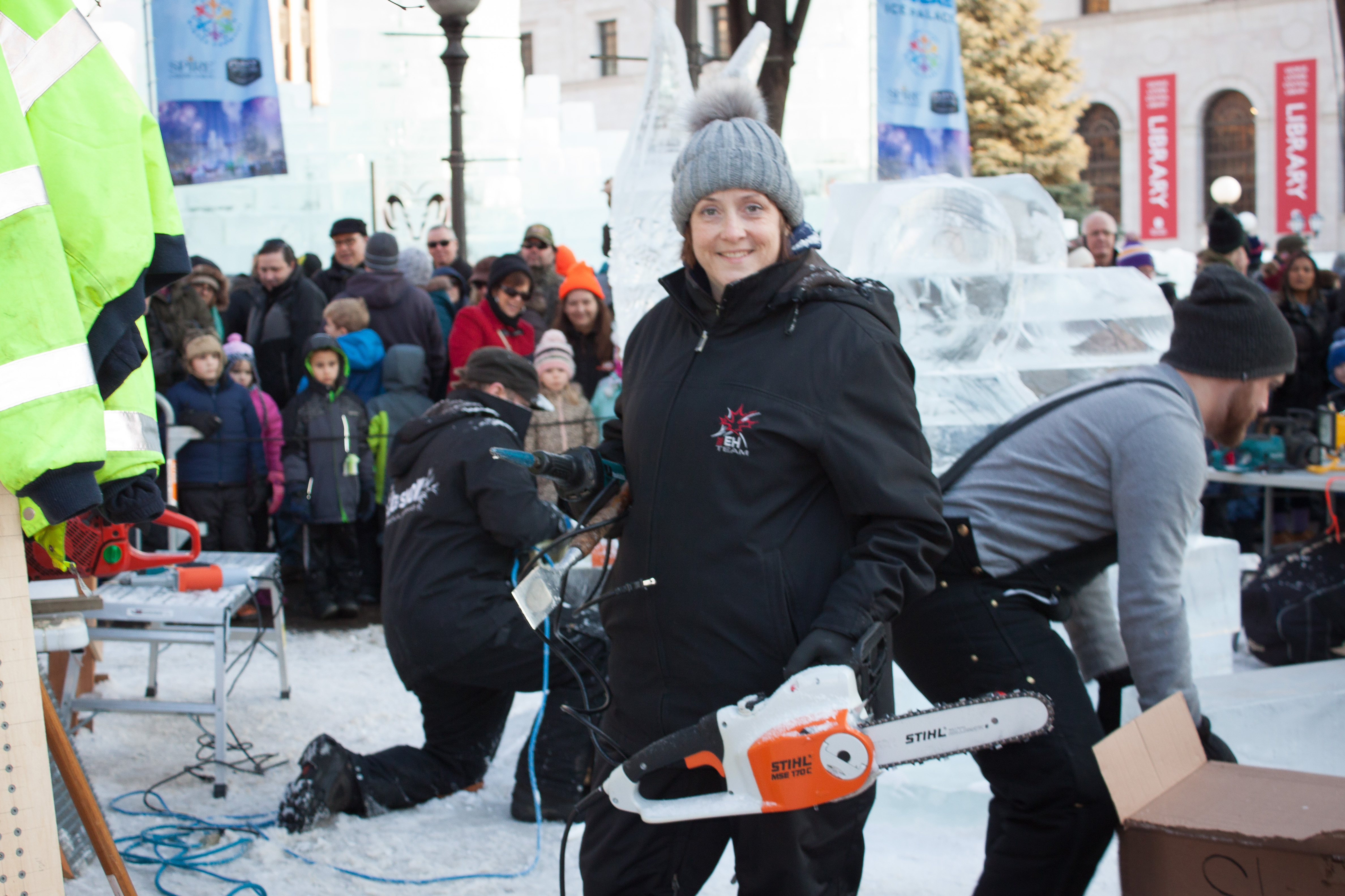 Ice Sculptures and a Chainsaw – It's all about trust